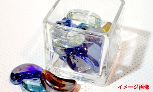 ガラス細工とキレイなビーズの画像